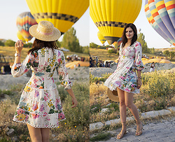 Viktoriya Sener - Chic Wish Dress - Flowers & Baloons