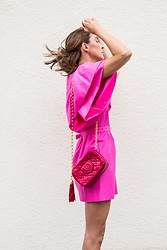 Malia Keana - Zara Dress, Chanel Vintage Camera Bag - Vintage Chanel x pink