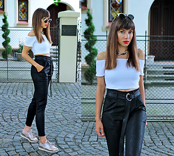 Jointy&Croissanty © - Femmeluxefinery Trousers - Black and white with metallic touch