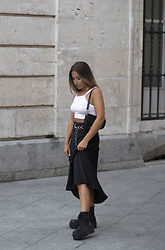 Claudia Villanueva - Bershka Top, Boohoo Bag, Zara Skirt, Asos Boots - Black Midi Silk Skirt