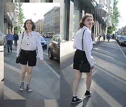 Natalia Ganzha - Handmade Black Shorts, Converse Black All Star, Vintage Shirt, Befree Black Bag - #24
