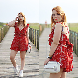 Carina Gonçalves - Zaful Romper, Converse Sneakers, Parfois Purse - The fire in your heart is out