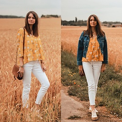 Audrey - Daphnea Shirt, Asos Skinny, Pull & Bear Shoes, H&M Denim Jacket - The floral shirt for summer.