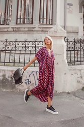 Vlada Avornic - Zara Dress, Adidas Sneakers, Zara Backpack - Meet my new favorite dress 💜