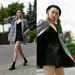 Maria Joanna - Stradivarius Beret, Zara Top, Zara Shorts, Vintage Jacket, Zara Loafers - Throw Back casual Thursday