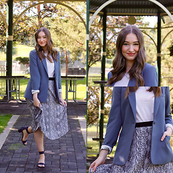 Taylor Doucette - Vince Camuto Blue Grey Crepe Blazer, Simons Snakeskin Skirt, White Mountain Navy Block Heel Sandals - Lose You Too - SHY Martin