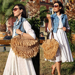 Minimalissmo .. -  - Straw bag