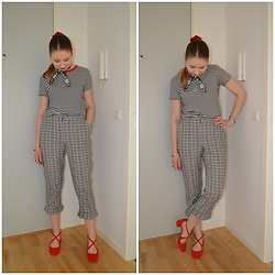 Mucha Lucha - Bershka T Shirt, Topshop Trousers, Anna Field Heels - Retro vibe in black, white, and red