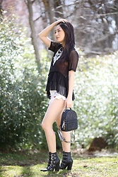 Kimberly Kong - Full Line Collection Statement Necklace, Steve Madden Buckle Boots - Why Violet Ray Bags are a Must For the Everygirl