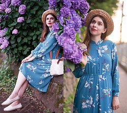 Ana B - Desigual Bag, Vintage Dress, Fandacsia Summer Hat - Hydrangeas