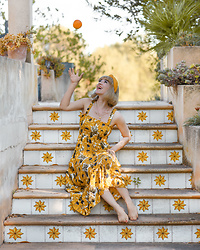 Esra E. - Urban Outfitters Sunflower Print Maxi Dress - Yellow