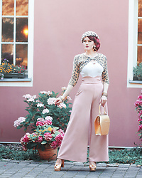 Charlotte S. - Belsira 40s Marlene Trousers In Blush, Collectif Clothing Lorena Plain Top In White, Tatyana Boutique To Die For Purse In Glitter - When Bells Ring Out The Summer Free