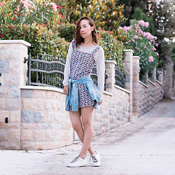 Iva K - H&M Knitted Top, Tamaris Sneakers - Summer breeze