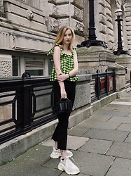 Bec Oakes - Smock Top, Ankle Flare Jeans, Structured Bag, Dad Trainers - Neon brights