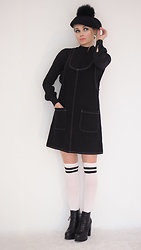 Marina Skater - H&M Ankle Boots, Monki Dress, Monki Blouse, Monki Socks, Bershka Hat - Twiggy style