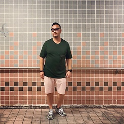 Mannix Lo - Cos Big Pocket Tee, Uniqlo Shorts, Madness X New Balance 990 Sneakers - I will not quit until I am living the life I dreamed of