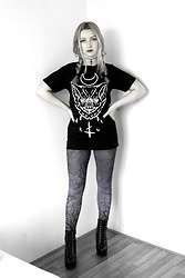 Joan Wolfie - Rogue And Wolf Tee, Rogue And Wolf Choker - BATFACE // Joan Wolfie