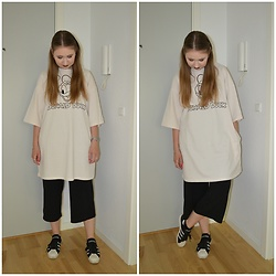 Mucha Lucha - H&M T Shirt Dress, H&M Culottes, Adidas Sneakers - Oversized