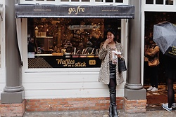 Cassey Cakes - Mango Leopard Coat, Mango Boots, Mango Bag - One Rainy Day in Bruges (Blog Post)