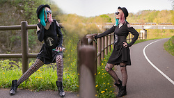 Darkrevette - Crazy In Love Dress, Restyle Belt, Aliexpress Fishnet Tight, Iron Fist Clothing Grave Digger Wallet - Crazy