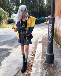 Kimi Peri - Vintage Flower Skirt, Naked Wolfe London Platform Boots, Star Socks, Shein Corduroy Patchwork Shirt, Vii & Co. Ring Belt, Tommy Vowles Vegan Belt Harness, The Witcher Necklace, Tattoo Choker, Blue Glasses - The Magician
