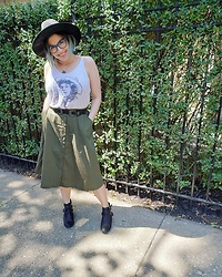 Lyndee M. - Target Sunhat, Asos Western Belt, Forever 21 Green Skirt, American Eagle Cut Out Booties - Honky-tonk