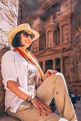Lindsey Puls - Nordstrom Hat, Eddie Bauer Hiking Pants - What to Wear to Explore Petra, Jordan (for the Ladies)