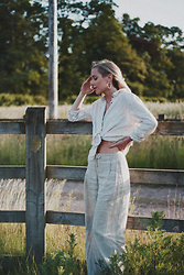 Daniella Robins - Toteme Linen Shirt - Doubling Up On Linen