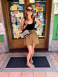 Anna Borisovna - Massimo Dutti Top, H&M Shorts, Nomadic State Of Mind Shoes - Black and Brown