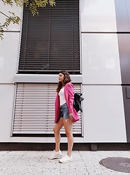 Mila Spasova - Calvin Klein White Sneakers, Zara Short Denim Pants, Stradivarius Magenta Blazer, Zara White Spaghetti Strap Top, Calvin Klein Leather Backpack - Casual