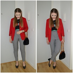 Mucha Lucha - Bershka T Shirt, Second Hand Blazer, Topshop Bag, Monki Trousers, Second Hand Heels - Going out for sushi