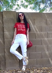 Saguaro Style - Oui Fresh Daisy Sunglasses, Uniqlo Old School Mario Tee, Fox's White Italian Brand Jeans, Liebskind Berlin Red Bag, Sven Clogs White Diamond Sandals - 09.08.19