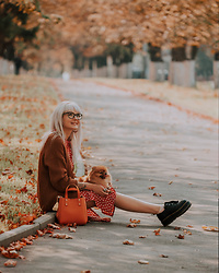 Natalie Elmo Feo - Primark Dress, H&M Bag, Forever 21 Cardigan, Dr. Martens Boots - Autumn inspiration