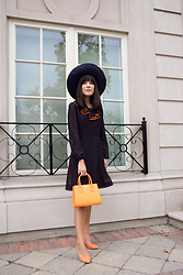 Carolina Pinglo - Teddy Blake Orange Handbag - Orange and Navy Dots