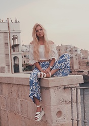 Ekaterina Normalnaya - H&M Pants, Aliexpress White Top, Asos Platform Sandals - Vacarion Look