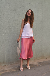 Olga Dupakova - Zara Skirt, Mango Bag, Mango Shoes - Pink mood
