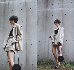 Yuko Tanaka - H&M Linen Jacket, H&M Linen Shorts, Forever 21 Top, Select Moca Disc Bag, Gu Sandals - Linen suits