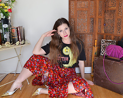 Aka. the Vixen ⚡ - Mythgem Led Zeppelin Stairway To Heaven Graphic T Shirt, Shivam Vintage 1990s Bright Red Floral Handkerchief Skirt - Stairway To Heaven