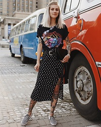 Fisty F - Pull & Bear Rolling Stones T Shirt, H&M Bandana Dress, Vans Slip On Checkerboard - The Rolling Stones and Bandana Dress