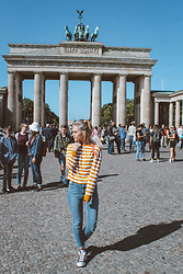 Saule S - Primark Hair Tie, H&M Stripped Top, H&M High Waisted Jeans, Converse Chucks - Being a tourist in Berlin