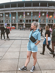 Saule S - Gina Tricot The Romper Jumpsuit, H&M Waist Bag, Converse Sneakers - Festival vibes