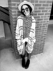 Carly Phillips - Vero Moda Platform Booties, Easel Oversized Striped Cardigan, Thrifted Cheetah Mock Neck, Quay Sunglasses, Goodfellow & Co. White Hat, Forever 21 Distressed Shorts - Mixing prints. All day. ❤️