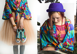 Treska Alina - H&M Blue Hat, Vans Colorful Shoes - Spring dance