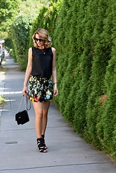 Butterfly Petty - Zara Shirt, Zara Skirt, Zara Heels, Guess Bag - Flower fashion print