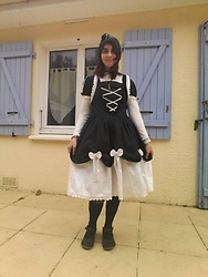 Lulu Longstocking - Bodyline Lolita Dress - Gothic lolita