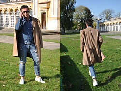 Pawel - Hugo Boss Sneakers, Abercrombie & Fitch Jeans, Levi's® Denim Jacket, Van Laak Caschmere Coat - Autumn.