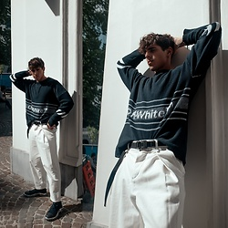 Matthias Geerts -  - Navy on Off White
