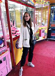 Karina Bogdan - Topshop Coat, Weekday Cargo Pants, Axel Arigato Shoes, Gucci Bag, Zara Turtleneck, Ace & Tate Glasses, Accessorize Hair Clips - Funfair.