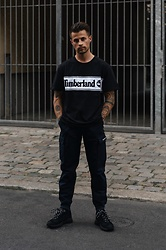 Kevin Elezaj - Timberland Sneakers, Timberland Pants, Timberland T Shirt - Who's bad?