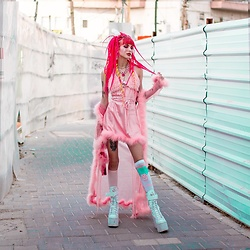 Alina Kireyeva - Dollskill Fluffy Dress, Dollskill Traitor Boots, Dollskill Fluffy Robe - Fluffy look